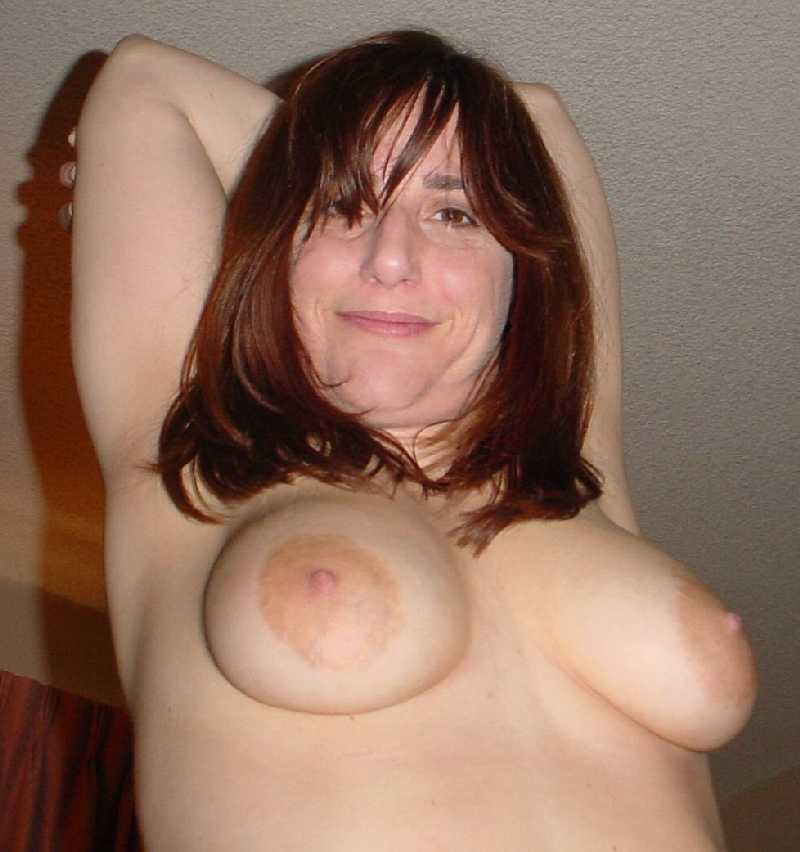 busty mom