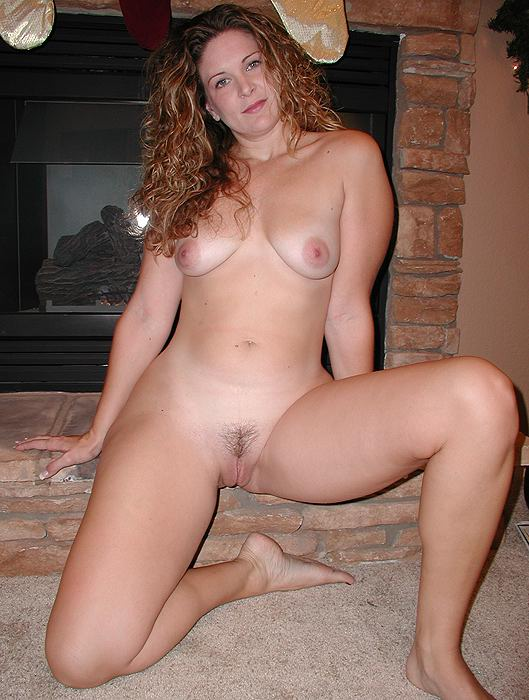 Real Milf Mom Here With Great Curly Hair And An Awesome Body A