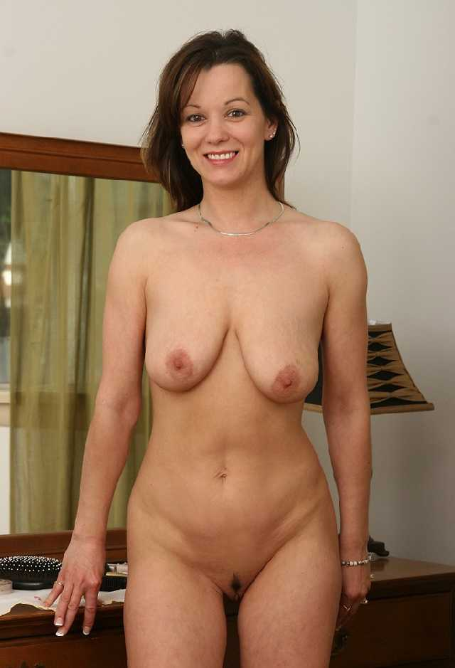 Naked curvy milf mom pictures
